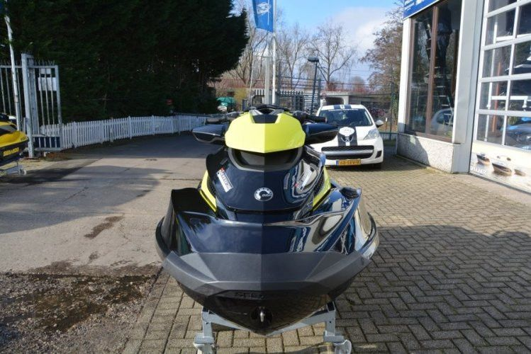 Sea-Doo Waterscooter RXT-X 260