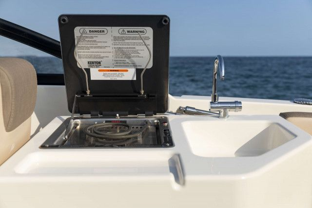 Bayliner Overnighter VR6 Cuddy Diesel