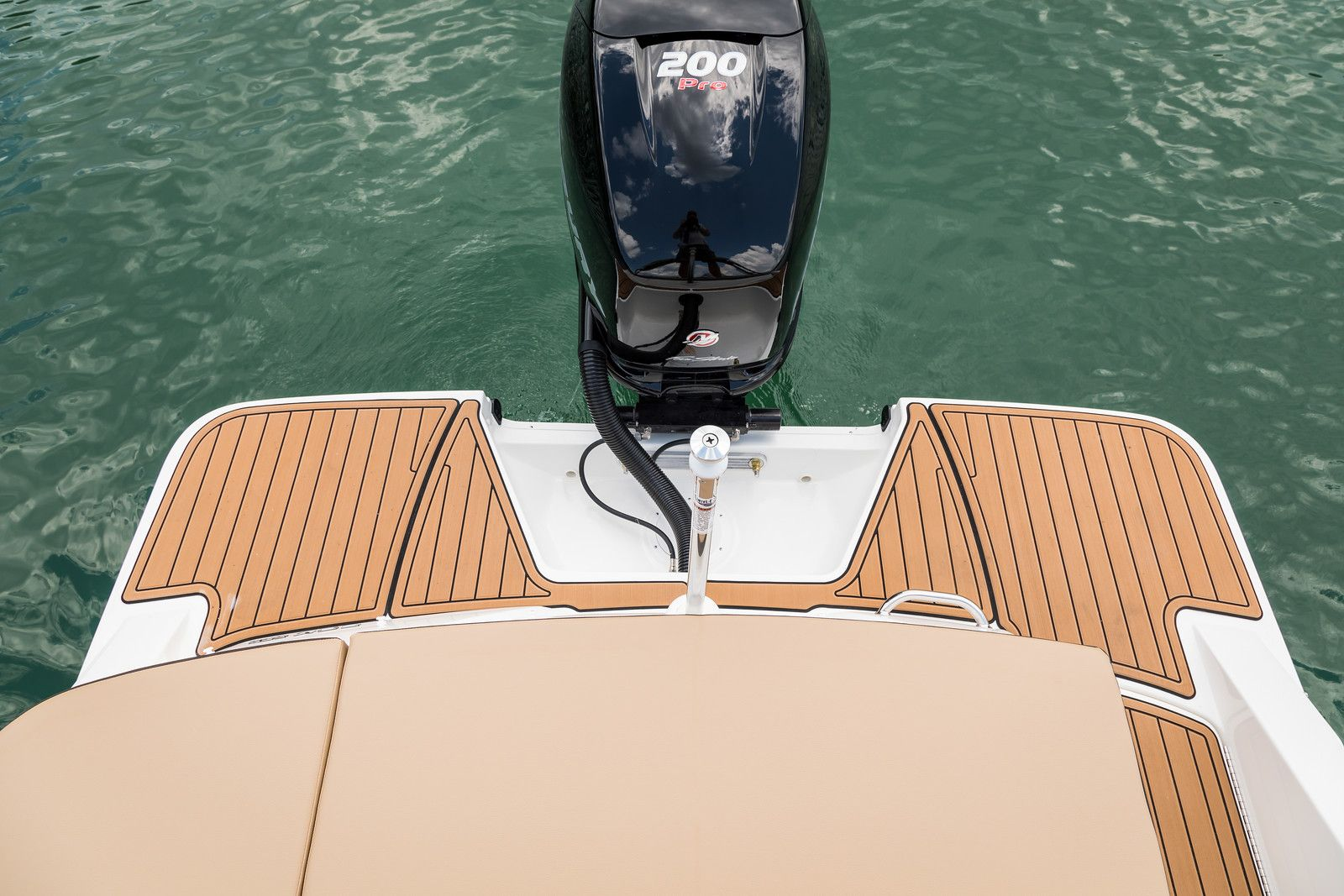Sea Ray SPX series SPX 230 Outboard U.S.A.