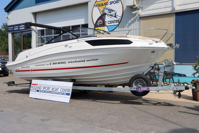 Bayliner VR5 Cuddy Outboard (MY2020)