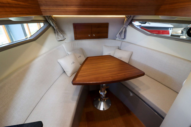 Sea Ray Sportcruiser Sundancer 290 (MY2020)