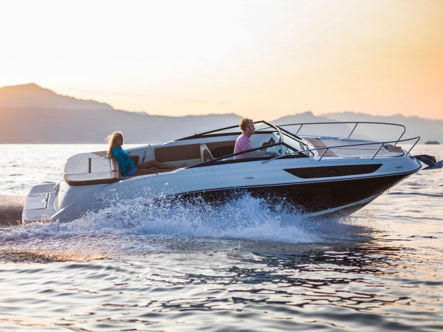 Sea Ray SunSport 230