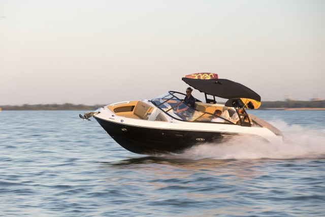 Sea Ray SLX series SLX 250