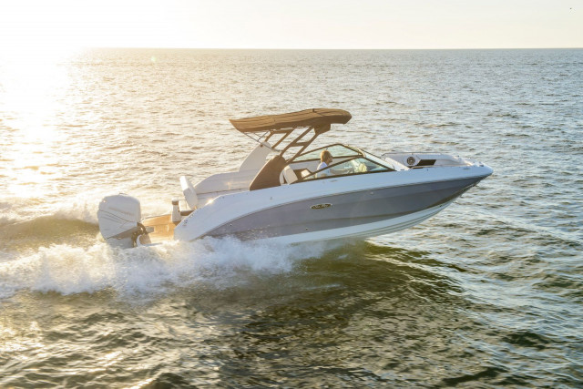 Sea Ray SDX 250 Outboard U.S.A.
