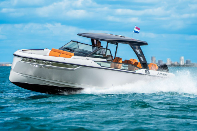 Saxdor Yachts 320 GTO Dutch Powerboat of the Year 2021!