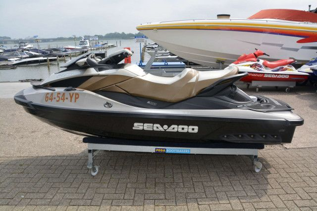 Sea-Doo Waterscooter GTX Limited iS 260 (2)