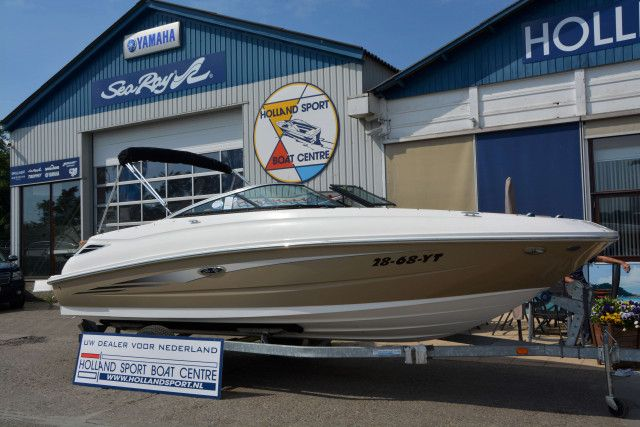 Sea Ray Sportboot 240 Sundeck